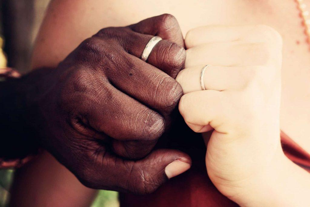 5 Segreti per Capirsi Meglio nelle Relazioni di Coppia Multiculturali